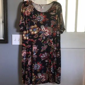 NWT Floral Printed Midi Dress